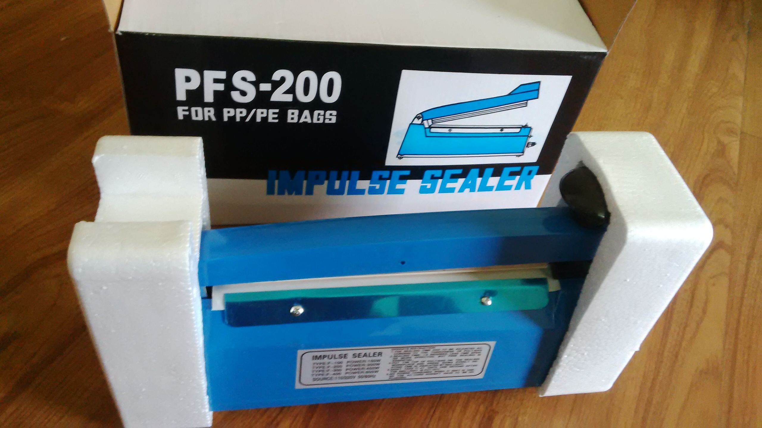 Máy hàn miệng túi PFS200