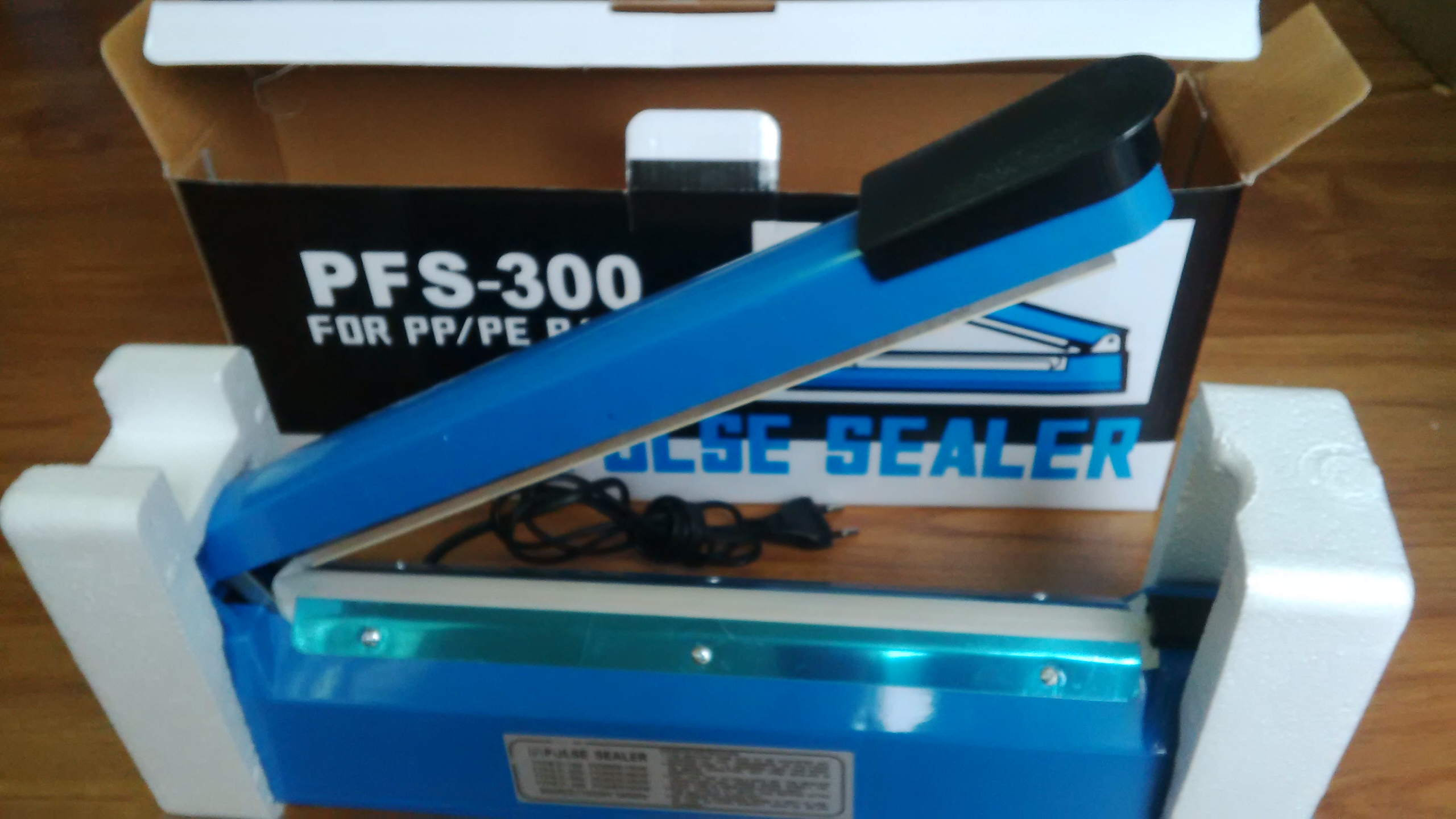 Máy hàn miệng túi PFS300